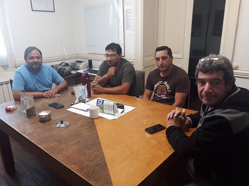 Playeros de estaciones de servicio acudieron a Pity Federico en busca de medidas ante los robos