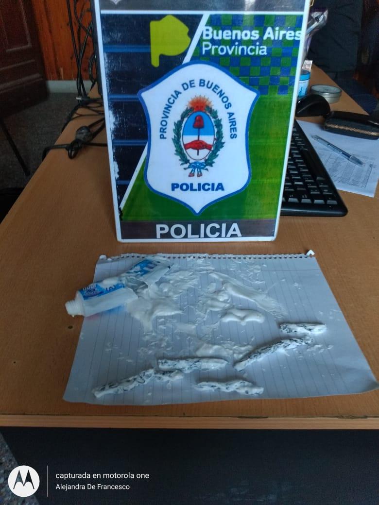 Intentaron ingresar marihuana a los calabozos de la Comisaría por un tubo de pasta dental