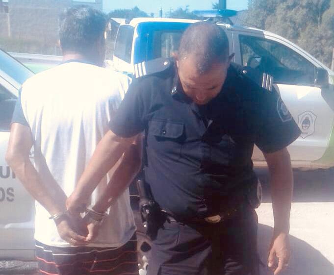 Atrapado in fraganti cuando robaba elementos de una casa en Claromecó
