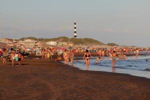Hermosa tarde de playa en Claromecó