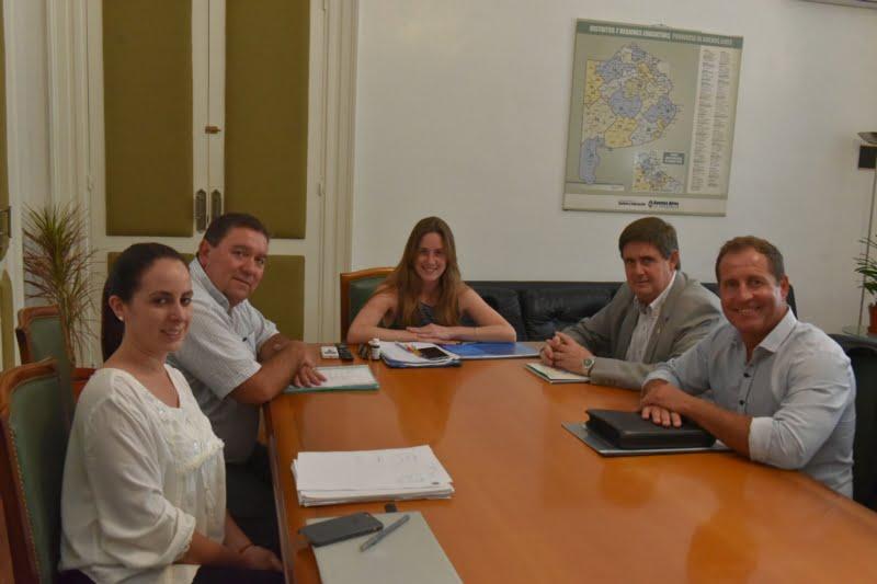 San Cayetano: Gargaglione fue recibido por la Directora de Cultura y Educación