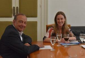 """Escuela 5: reunión """"sumamente productiva"""" de Sánchez y funcionarios con Agustina Vila"""