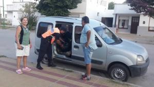 Policía decomisa paquetes de bolsas de residuos en De La Garma