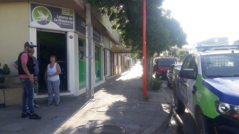 """Oriundo de El Perdido víctima de las mujeres que """"marcan"""" comercios en Monte Hermoso (video)"""