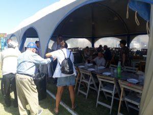 Abuelos del Geriátrico Municipal recorrieron el predio triguero y almorzaron en el fogón de la Técnica
