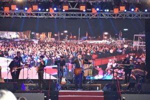 """Con """"sentimiento y pasión"""", Lucas Sugo cerró la 51° Fiesta del Trigo"""