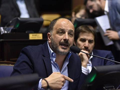 Pablo Garate propone potenciar la producción pública de medicamentos en la Provincia