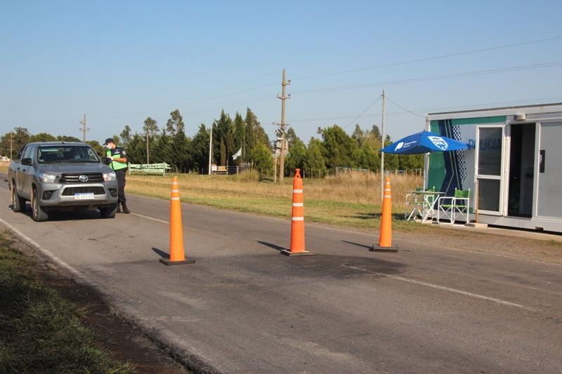 Continúan los controles policiales en el acceso a Claromecó