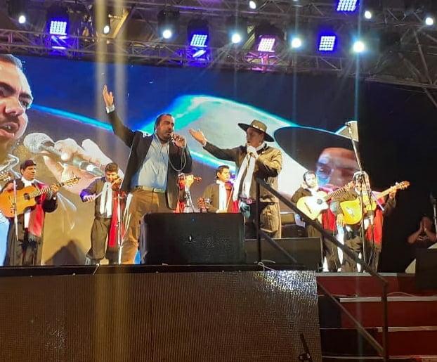 """""""Panchito"""" y el """"Chaqueño"""" cantaron en el Escenario Mayor"""