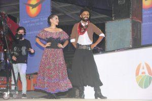 """""""Pampita"""" Pellegrino, Noelia Cuevas y baile en el cierre de la 51° Fiesta del Trigo"""