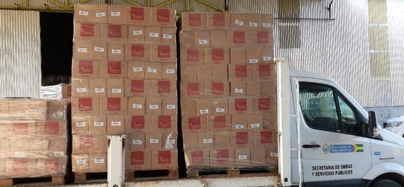Tostex donó 10.000 paquetes de galletitas que repartirá el Municipio