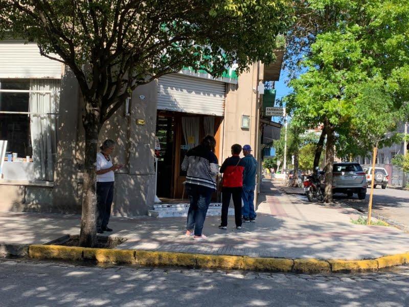 """""""Postales"""" de los comercios en época de emergencia sanitaria"""