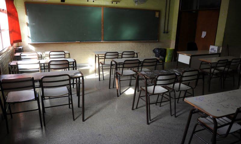 Organizarán turnos y alternancias para que no todos los docentes deban concurrir a las escuelas