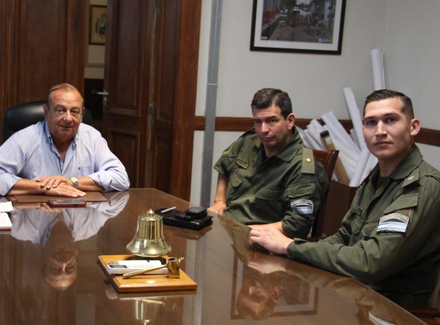 Presentaron a Sánchez al Jefe del Escuadrón de Seguridad Vial Balcarce de Gendarmería
