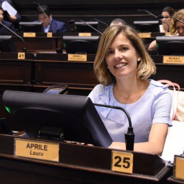 Agradecen a Laura Aprile por el aporte de dos sueldos para el Hospital