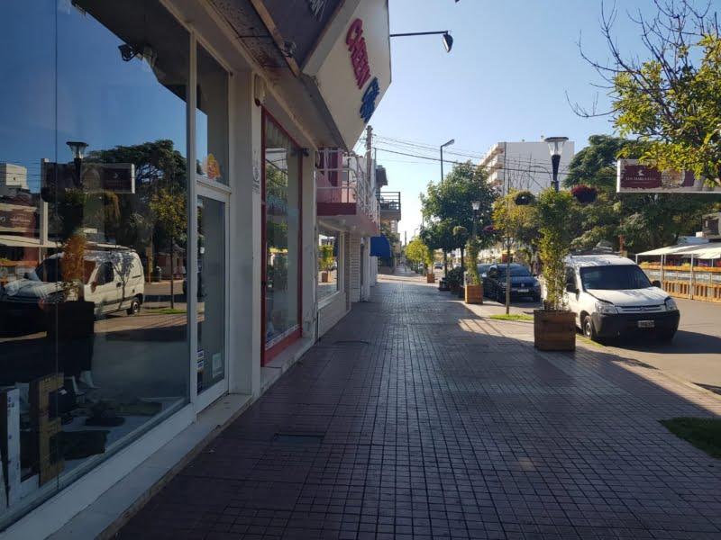 Monte Hermoso cerró las puertas de todos sus comercios y la gente se quedó en casa