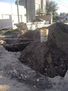 Queja de vecinos de Villa de las Américas por obras paralizadas en vía pública