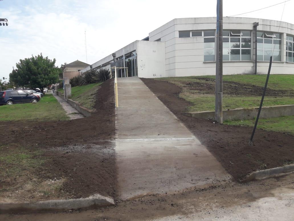 Construyeron una nueva rampa en el Centro de Salud Municipal
