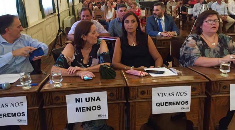 Garate y los concejales de Todos piden controles en el acceso a las playas y en locales nocturnos