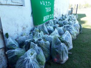 Quinteros bolivianos donan bolsones con verduras