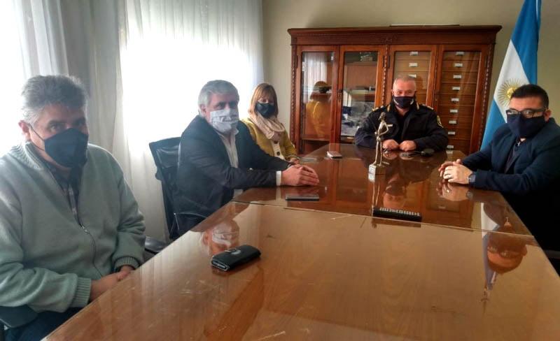 El Intendente de Chaves recibió a autoridades provinciales de seguridad