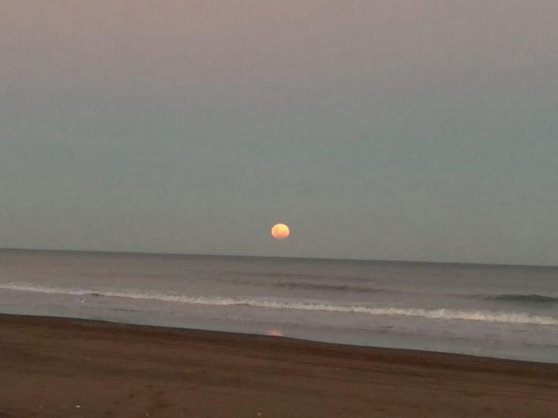 Día soleado en Claromecó con presencia de visitantes
