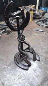 Con apenas 15 años, Gonzalo Villavicencio crea esculturas geniales en hierro