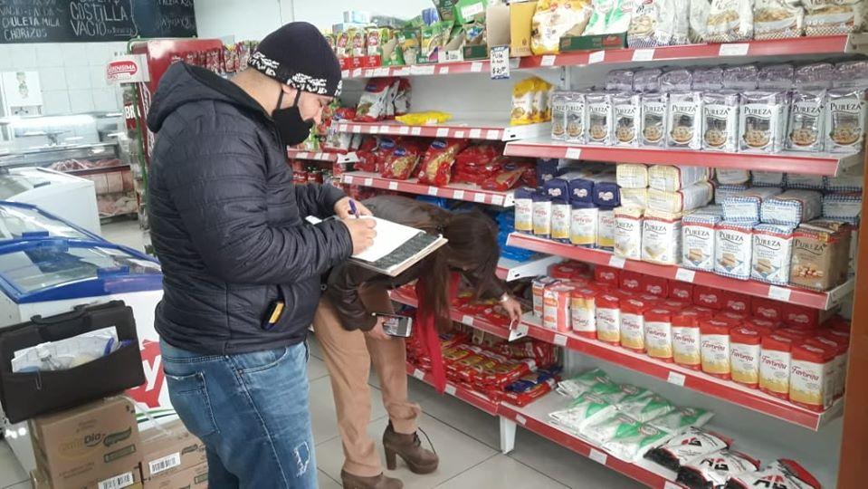 Bromatología no identificará comercios sancionados por mercadería vencida