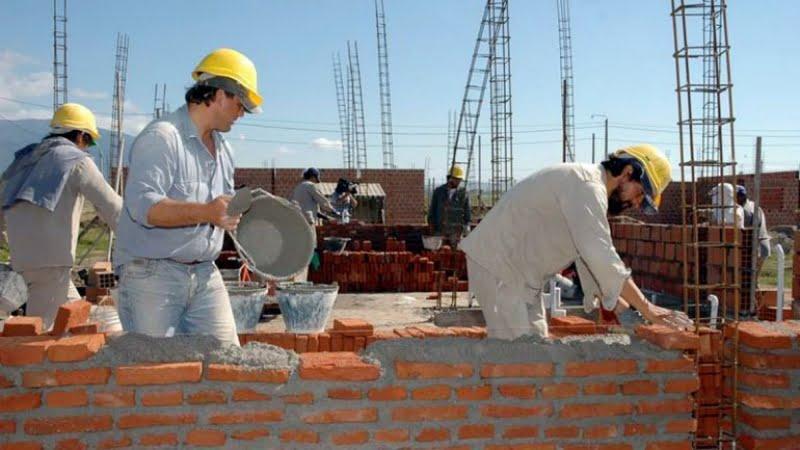 Municipio y UOCRA avanzan en gestiones para construir cien viviendas