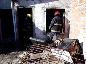 Fuego en una casa: hubo pérdidas materiales totales