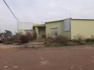 Tentativa de robo y daños en el local de una agronomía cerrada