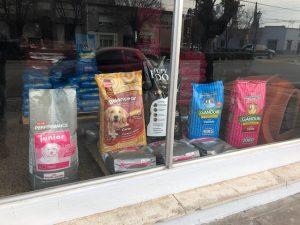 """""""Somos Familia"""" inaugura distribuidora mayorista de productos para mascotas"""