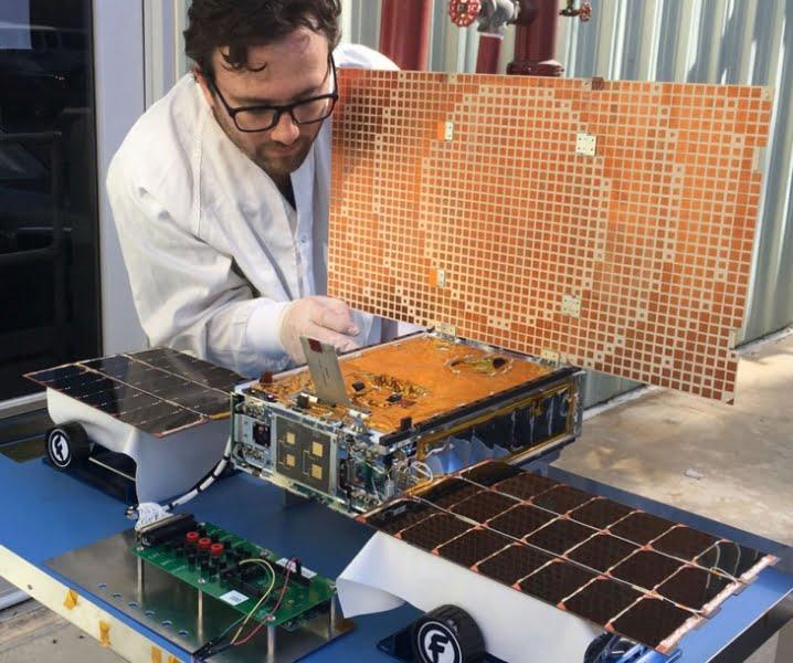 Proyectan construir el primer satélite universitario en La Plata