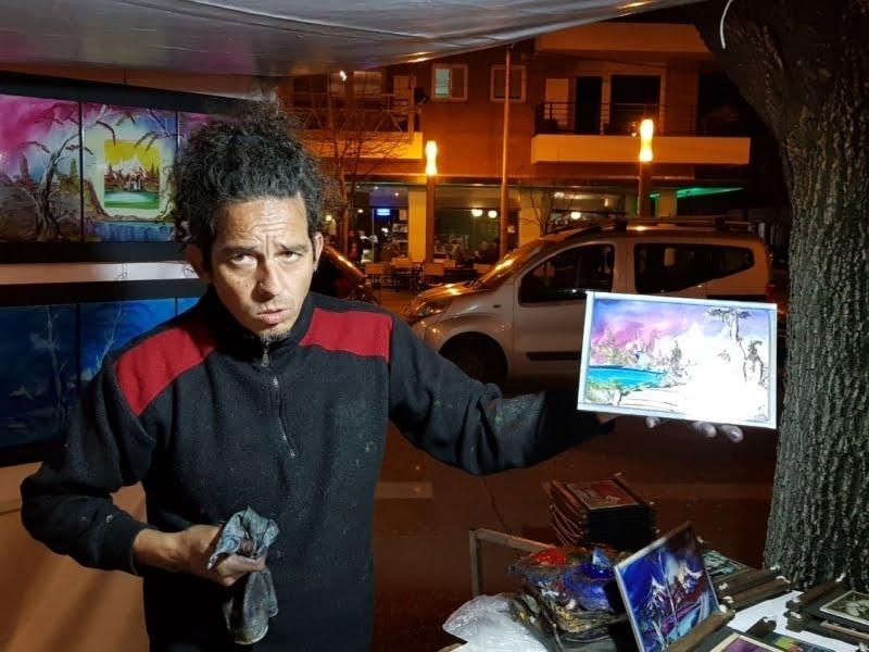 Efecto pandemia: De recorrer el país vendiendo cuadros en fiestas, a hacerlo por las redes