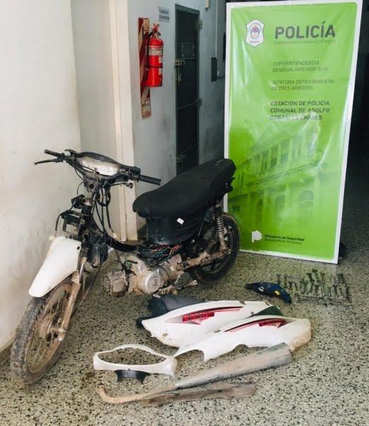 Menor robó una moto, herramientas y un celular: dan por esclarecidos los hechos e investigan a mayores