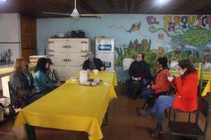 Guerra y León entregaron kits sanitarios en Ruta 3 Sur