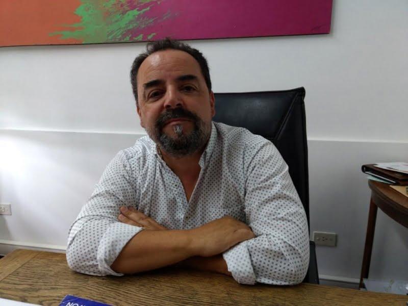 """""""Es importante acercar este recurso a la gente"""", dijo León tras entregar kits sanitarios"""