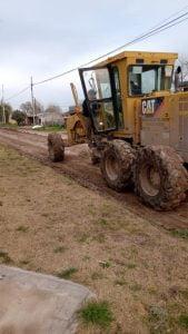 Tareas de mejoramiento en barrios efectuadas por la Secretaría de Obras y Servicios Públicos municipal