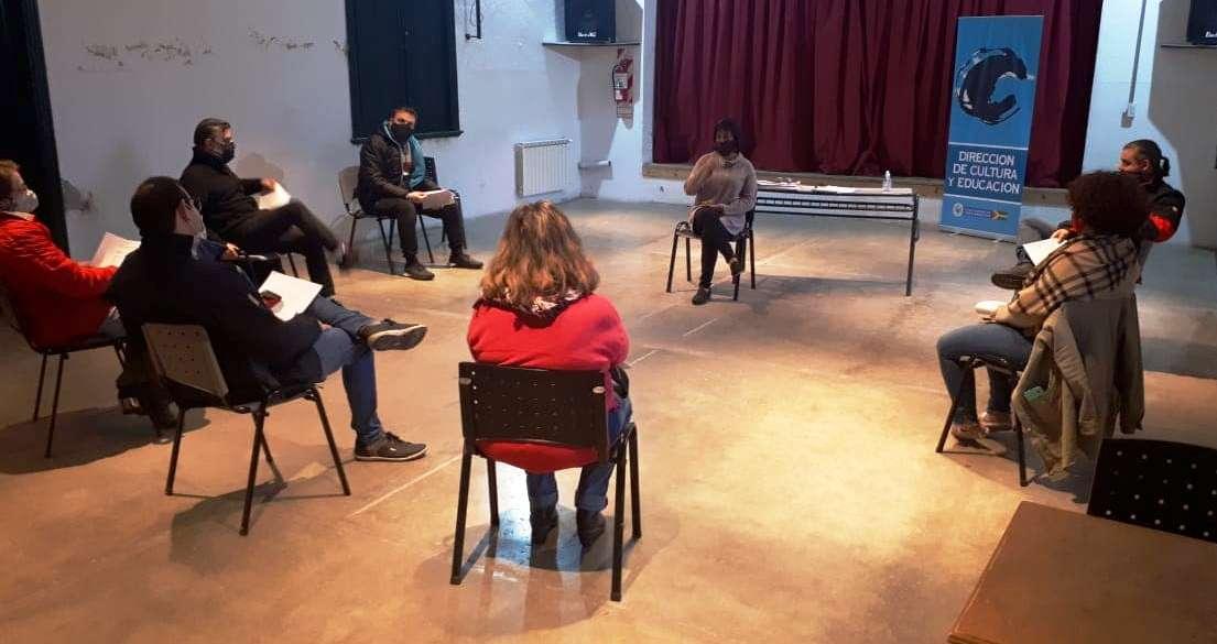 Habilitaron la actividad teatral: entregaron protocolo a directores y actores