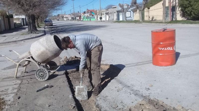Trabajos de bacheo en Claromecó