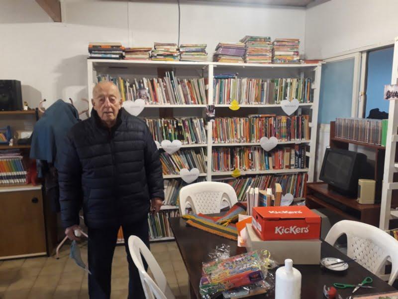 Quito Di Rocco colabora con el sorteo del Día del Niño de la Biblioteca Meister