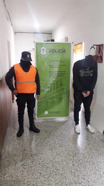 Fiesta clandestina en Chaves termina con un policía lesionado y un patrullero dañado
