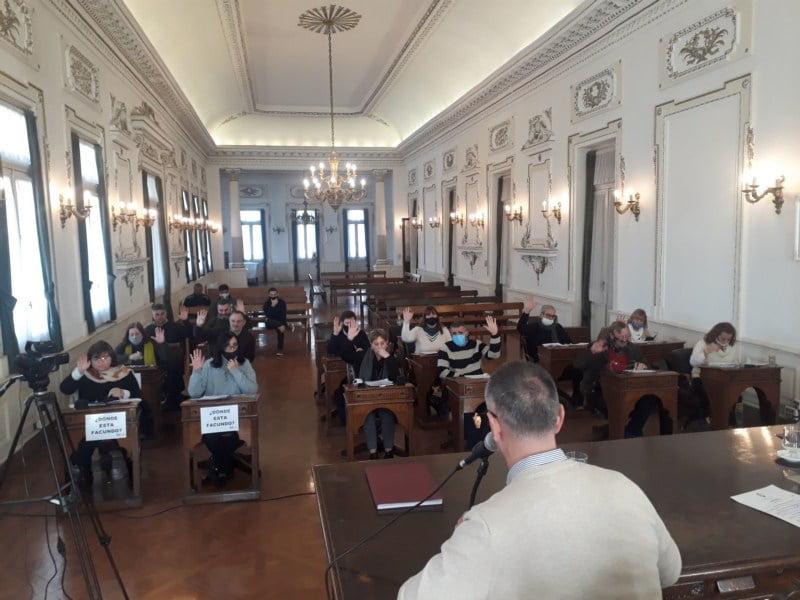 Sesiona el Concejo: Jura Santarén en reemplazo de Aramberri