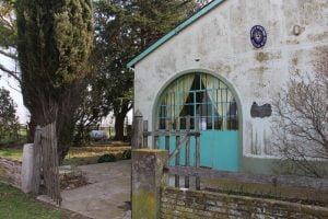 Entregaron subsidio para pintar la Escuela 32 de La Sortija