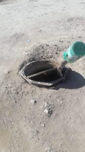 Vecino reclama arreglo de una tapa de cloaca en Mendoza y Quintana