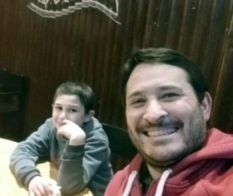 El amor de un papá necochense para visibilizar el TDAH y se sancione una ley
