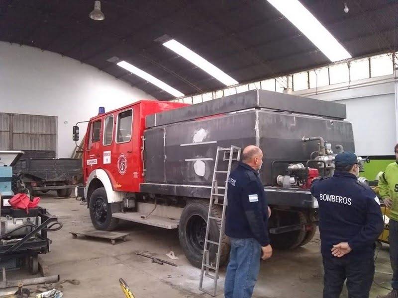 Metalúrgica Tenaglia duplicó la capacidad de la Unidad Forestal de los Bomberos de Claromecó