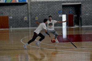 Fjellerup y Thygesen entrenaron juntos en el polideportivo (video)