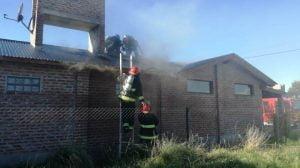 Claromecó: Incendio en el techo de una casa en 12 entre 21 y 23