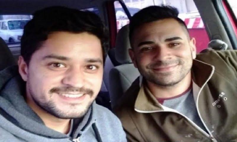 Punta Alta: Lava autos con un amigo a cambio de mercadería para donar